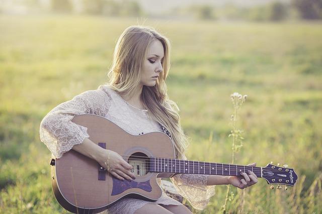 Akustik-Gitarre kaufen