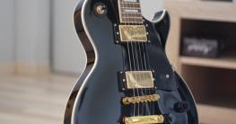 Wie funktioniert eine E-Gitarre?